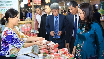 Fair displays local specialties from across Vietnam