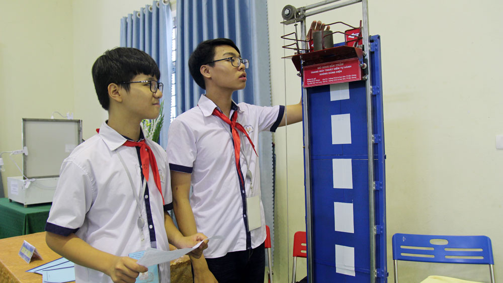 Bac Giang city: 22 projects awarded at Technical Science Contest for Secondary School in 2020 - 2021