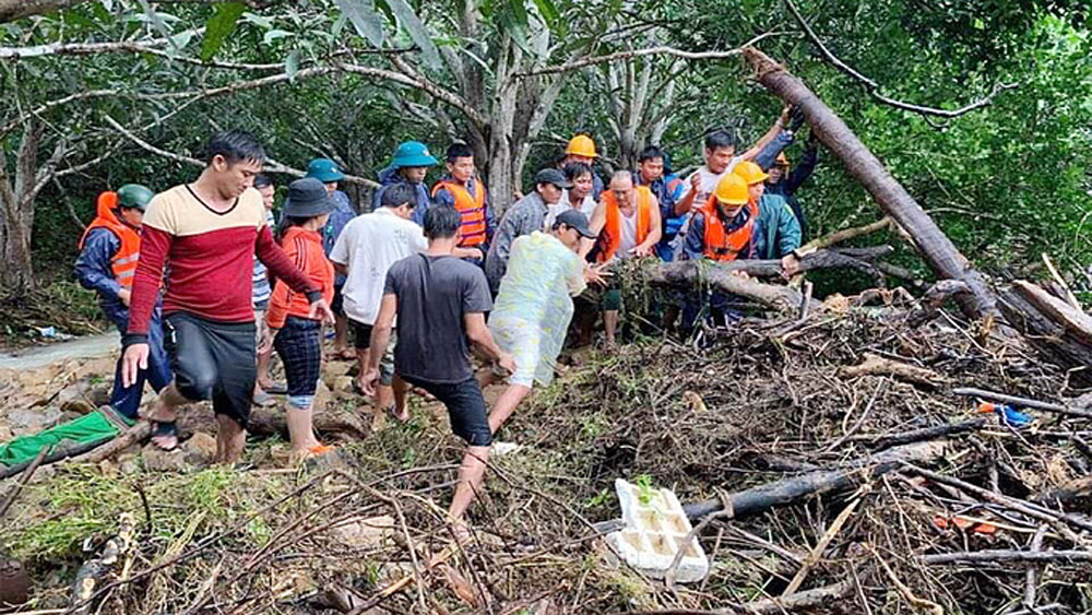 Five killed, heavy rains, flooding, central Vietnam, flash floods, natural disaster,  cold spell, monsoon wind
