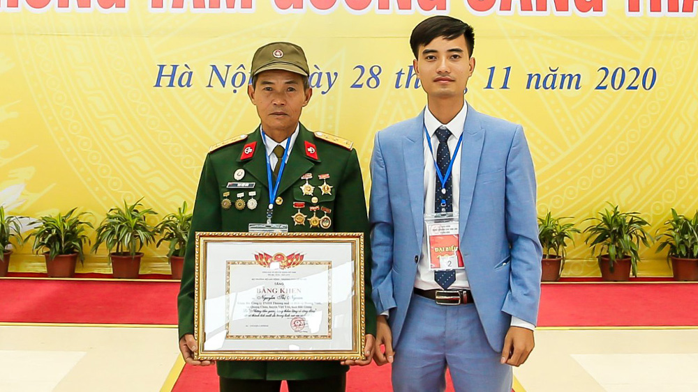 7 individuals, quiet bright exemplary model,  Bac Giang province, Certificate of Merit, social work career, outstanding models, national tradition of humanity