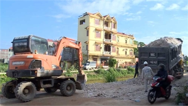 Đã khắc phục đoạn đường bị xuống cấp do vận chuyển đất ở Việt Yên