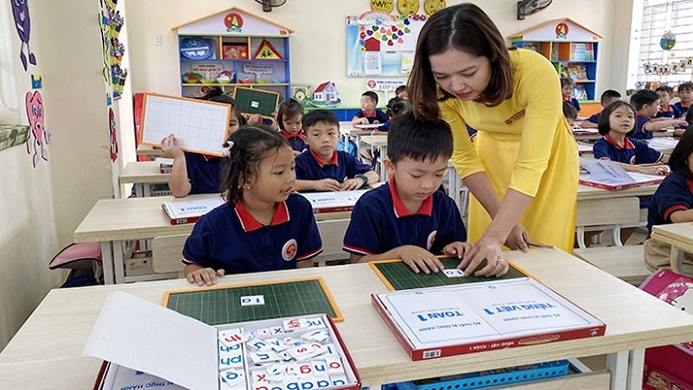 Vietnam ranks first among region's primary school student learning outcomes
