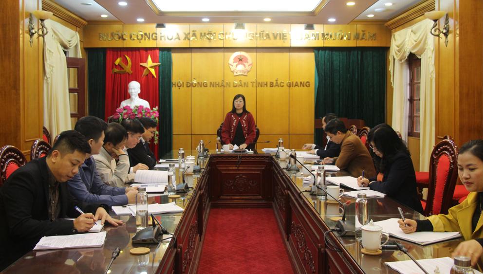 Ban Kinh tế - Ngân sách thẩm tra dự thảo nghị quyết, tờ trình