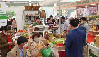 Vietnam International Agricultural Fair opens in Hanoi