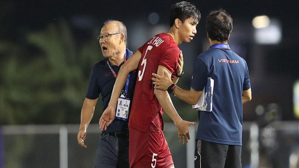 Star defender, national team training, Doan Van Hau, suffered an injury,  World Cup 2022 Asian qualifier, most talented Vietnamese footballers