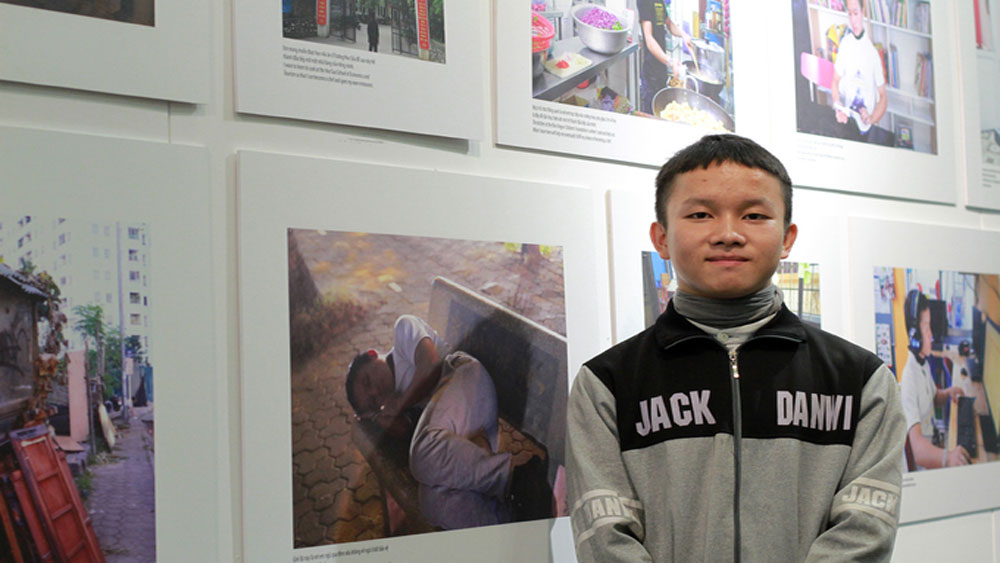 Hanoi exhibition sheds light on lives of homeless children
