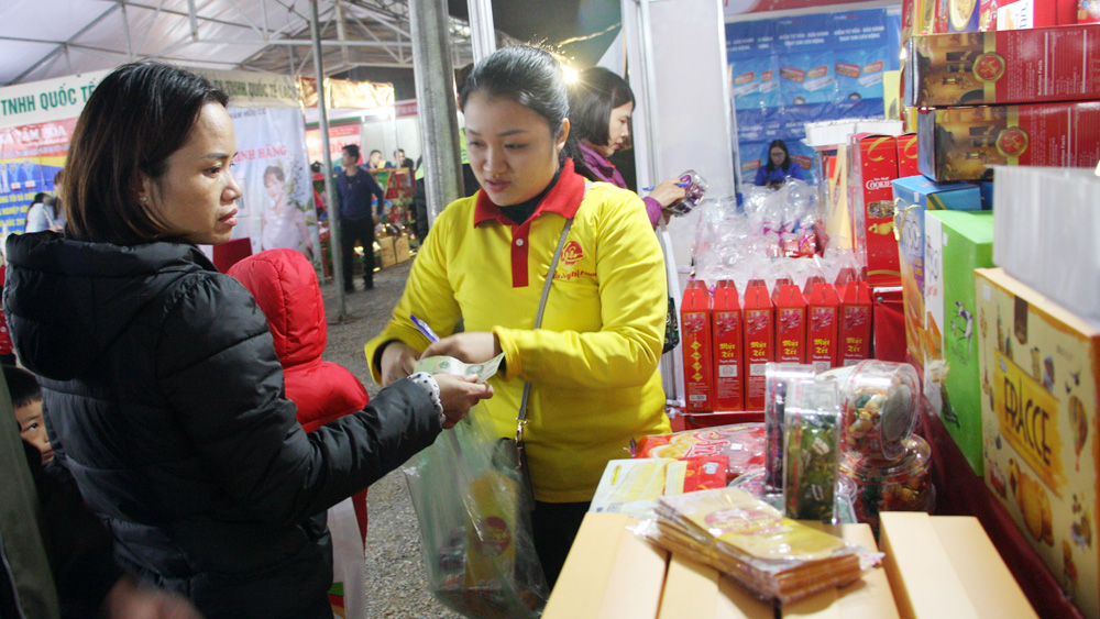 Bac Giang organizes 60 pavilions for workers on Lunar New Year 2021