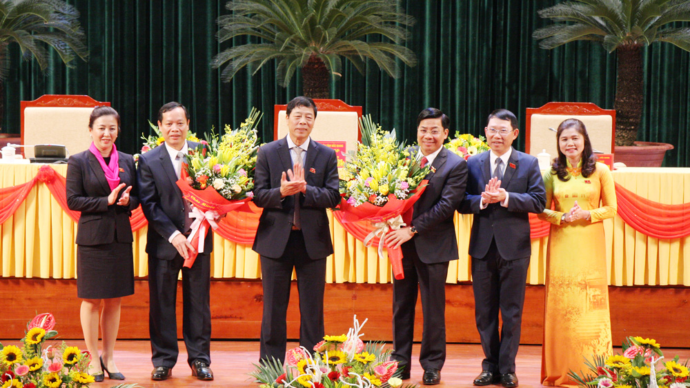 Bac Giang elects key positions at provincial People's Council and Committee in tenure 2016 - 2021