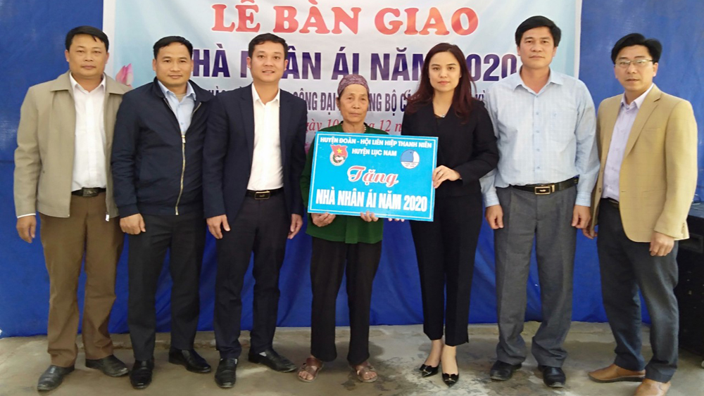 Lục Nam: Hỗ trợ xây dựng 12 nhà nhân ái cho hộ nghèo