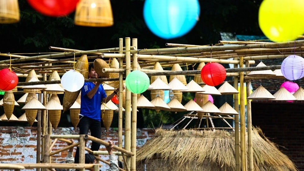 Hanoi organises festival to honour folk culture