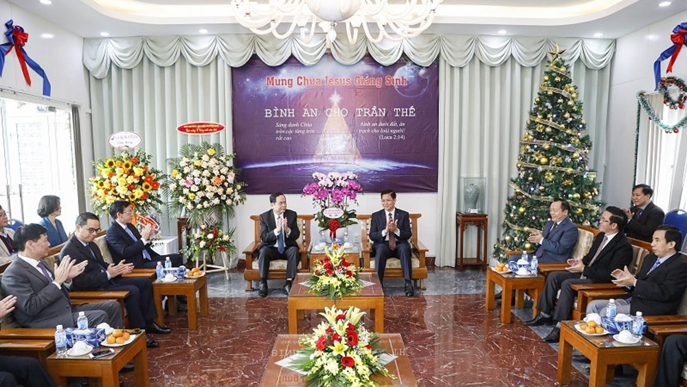 Front leader extends Christmas greetings to Evangelical Church of Vietnam (North)