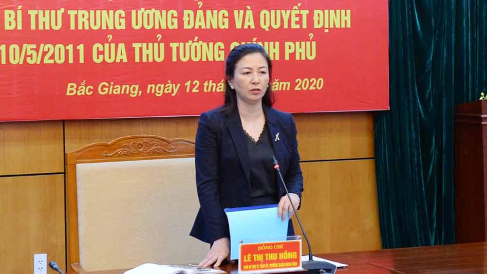 Phó Bí thư Thường trực Tỉnh ủy Lê Thị Thu Hồng phát biểu sau khi hội nghị trực tuyến kết thúc.