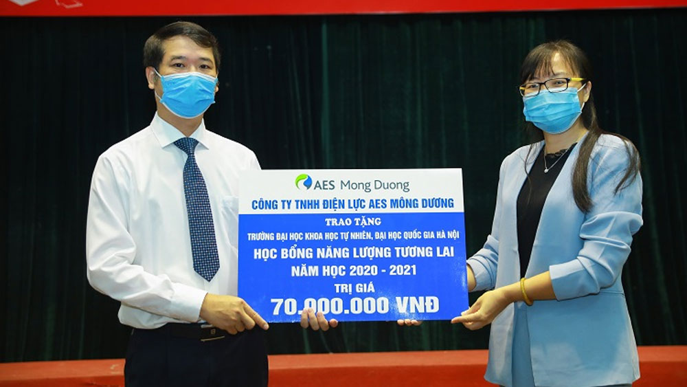 Energy scholarships beckon talented Hanoi students