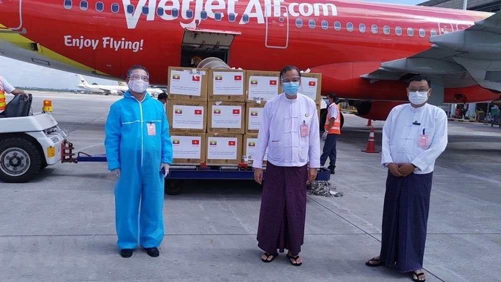 Vietnam donates masks to Myanmar to help in fight against Covid-19
