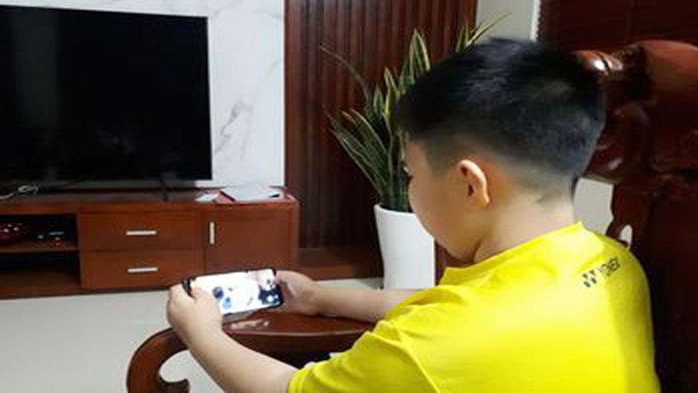 Bảo vệ trẻ trước những video độc hại trên mạng
