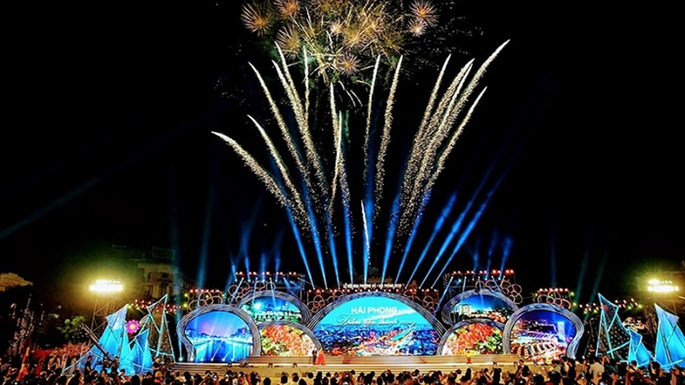 Hai Phong to set off fireworks at 12 locations to greet Lunar New Year