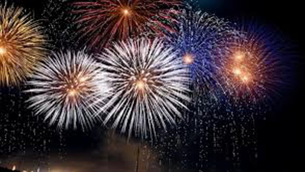 Ban Bí thư yêu cầu: Việc tổ chức bắn pháo hoa chào mừng năm mới phải phù hợp với điều kiện của từng địa phương, bảo đảm tiết kiệm, an toàn và không sử dụng ngân sách nhà nước.