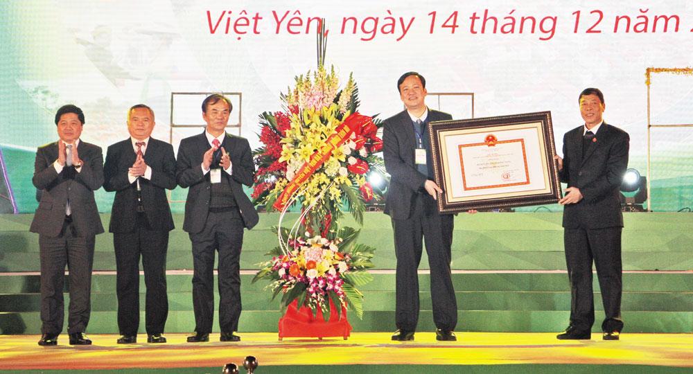 Tự hào, vững bước, trên chặng đường mới, Huyện ủy, HĐND, UBND, Ủy ban MTTQ, huyện Việt Yên, Bắc Giang