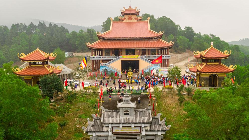Khai thác tiềm năng du lịch văn hóa vùng đất Phượng Hoàng