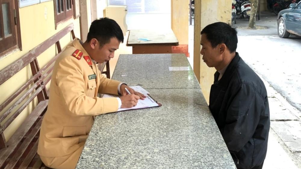 Bắc Giang: Xử phạt nguội tài xế xe con đi ngược chiều
