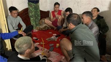 Bắc Giang: Tạm giữ 9 đối tượng đánh bạc