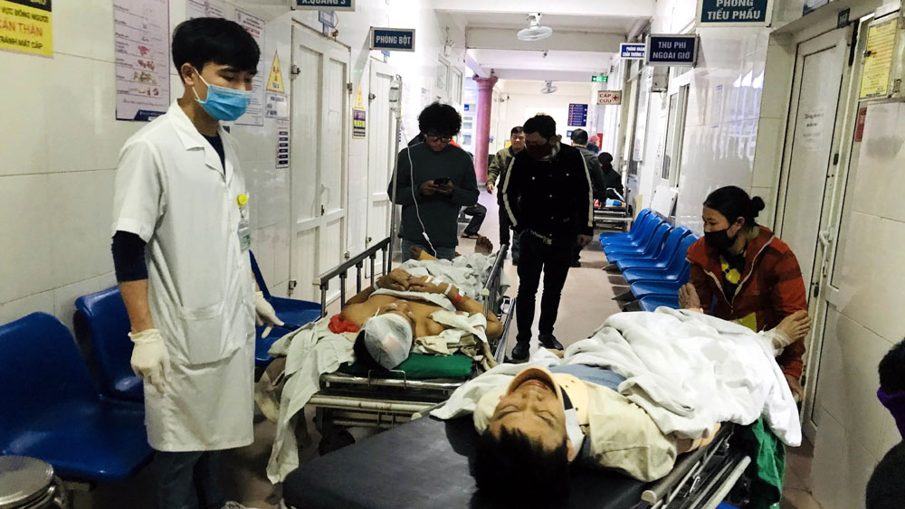 Đứt thang cuốn khiến 10 công nhân bị thương, 1 người tử vong