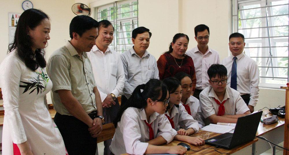 Chuyển đổi số trong giáo dục: Thêm cơ hội học tập cho mọi người