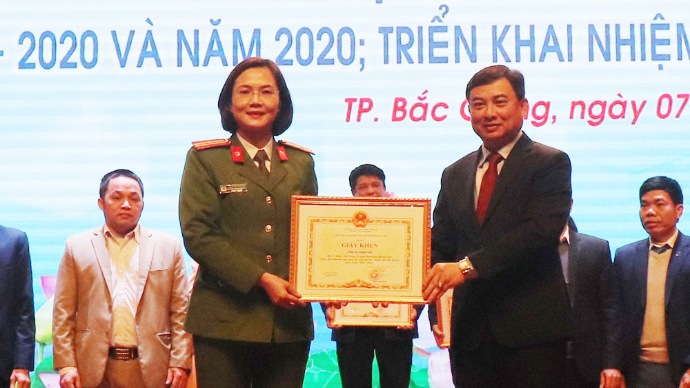 TP Bắc Giang: Khen thưởng 164 tập thể, cá nhân có thành tích xuất sắc xây dựng đời sống văn hoá