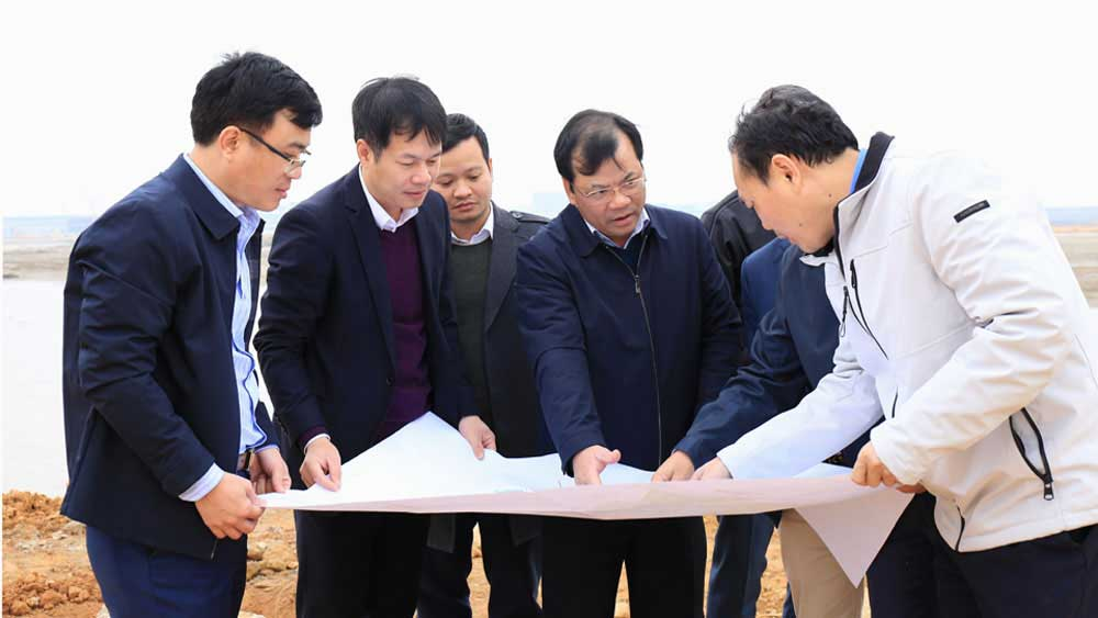 Bac Giang to timely hand over cleared land of Quang Chau industrial park to investor