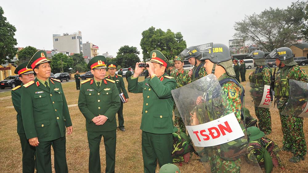 Thượng tướng Nguyễn Phương Nam, kiểm tra công tác bảo vệ Đại hội XIII của Đảng, Bộ CHQS tỉnh Bắc Giang