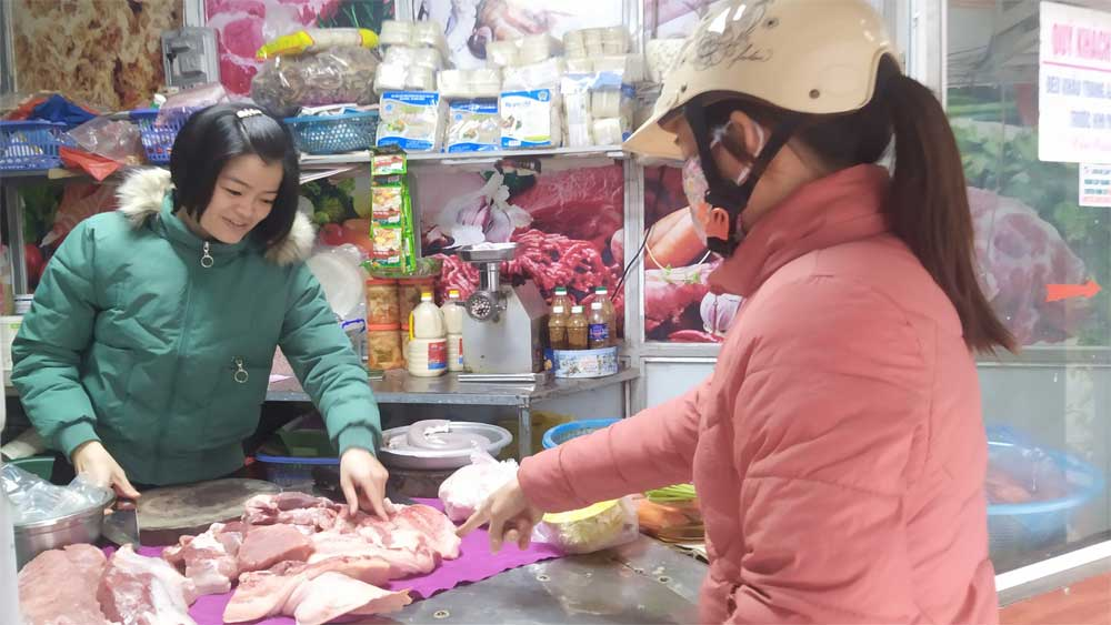 Pig raising for Tet in Bac Giang: Ensuring safety, product diversity