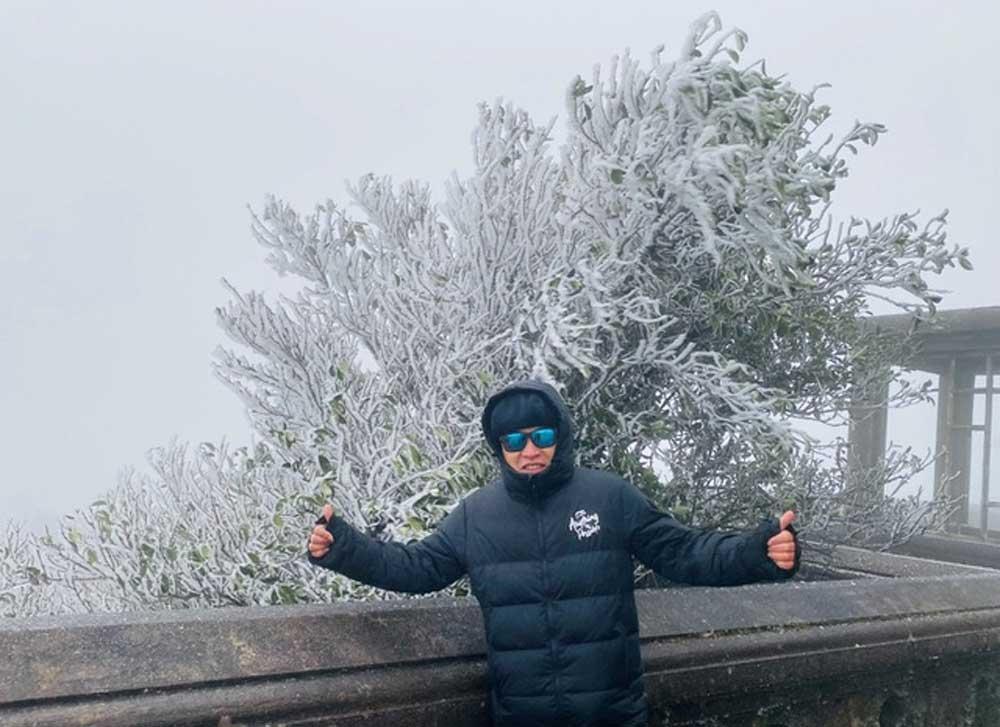 Du khách, đổ về, Mẫu Sơn, ngắm cảnh băng tuyết, phủ trắng núi rừng