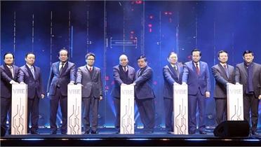 Thủ tướng Nguyễn Xuân Phúc: Phát huy vai trò quan trọng của Trung tâm Đổi mới sáng tạo quốc gia