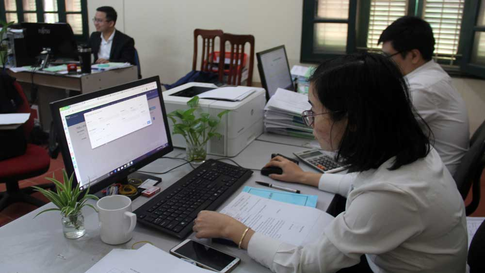 Bac Giang: Businesses not allowed to take pandemic as reason for delaying insurance premium payment
