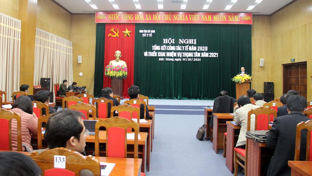 Ngành y tế Bắc Giang tiếp tục phòng chống dịch, chú trọng phát triển kỹ thuật mới