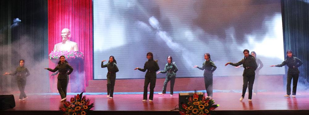 Liên hoan Tự hào người cộng sản trẻ, Thiếu nhi hát quốc ca tại địa chỉ đỏ, TP Bắc Giang, Bắc Giang
