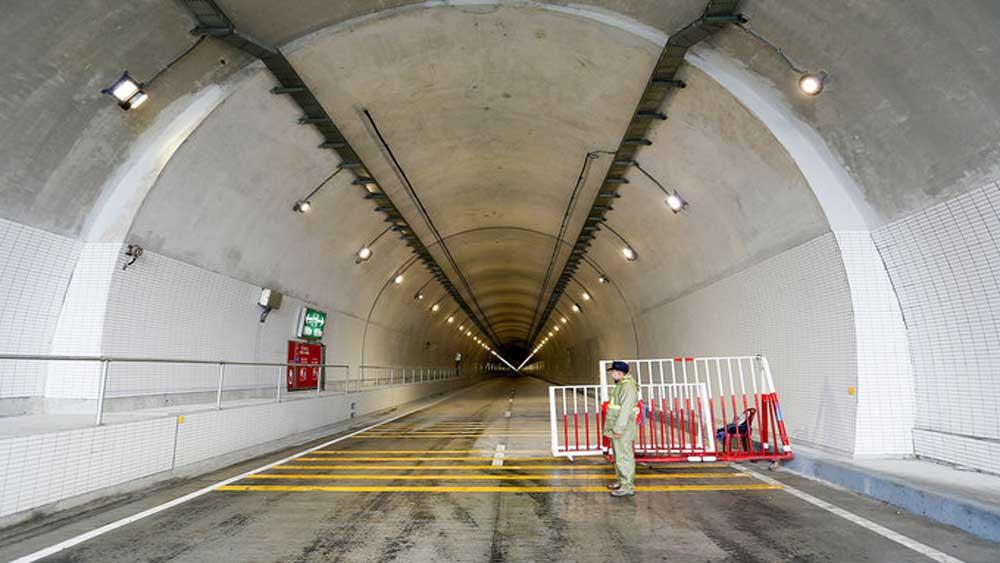 Southeast Asia, longest road tunnel, Hai Van Tunnel 2