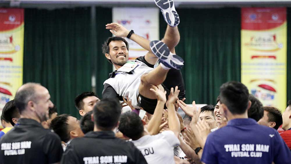 Vietnamese futsal club, coach named among world best