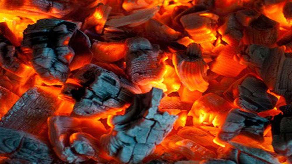 Hà Tĩnh, 2 mẹ con cấp cứu, đốt than sưởi ấm