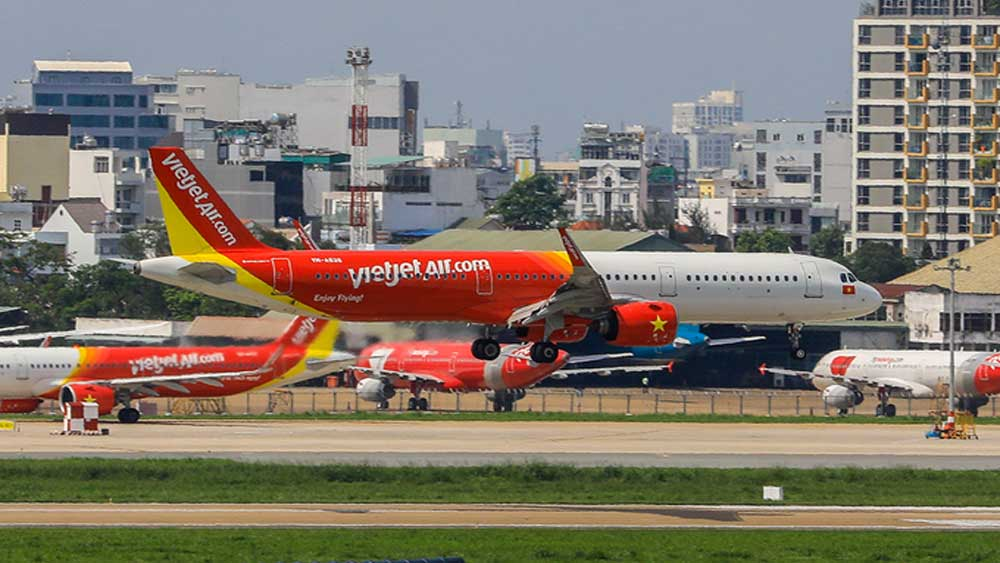 Vietjet eyes aircraft purchases as it relies on vaccine rollouts to revive air travel