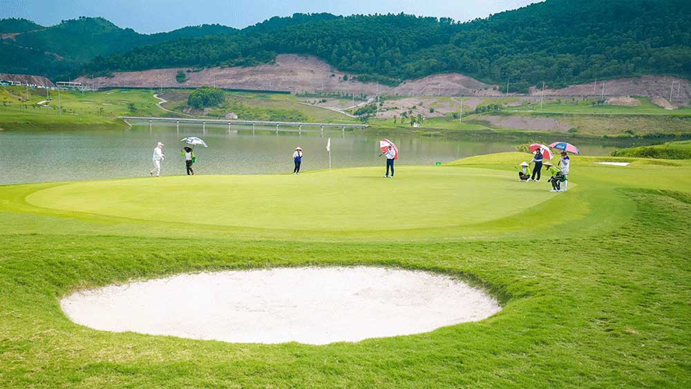 Golf course chain, a new direction, tourism development