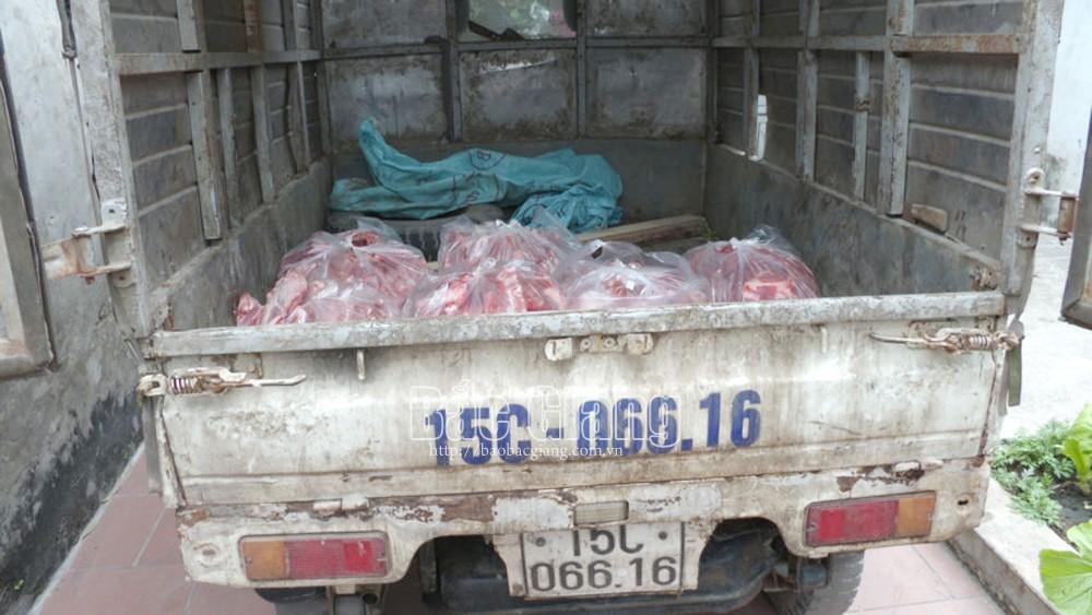 Bắc Giang: Phát hiện ô tô chở nhiều thịt và xương lợn 'bẩn'