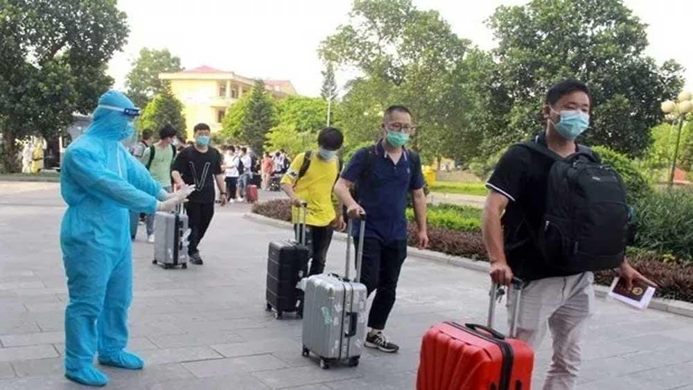 Vietnamese, returning home, land border gates , exempt from quarantine fees