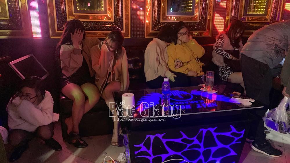 Bắc Giang: Tổ chức sinh nhật tại quán karaoke, 15 nam, nữ sử dụng trái phép chất ma túy