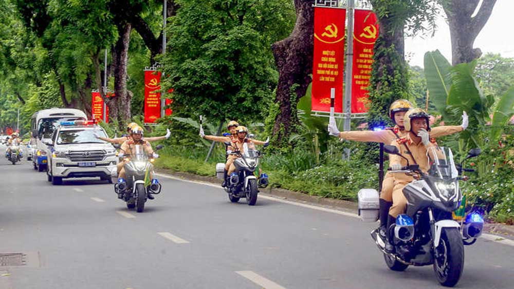 Hanoi, downtown traffic, Party Congress