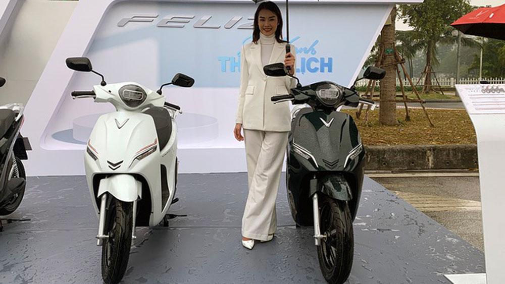 VinFast ra xe máy điện to ngang Honda SH, đi hơn 100km mỗi lần sạc