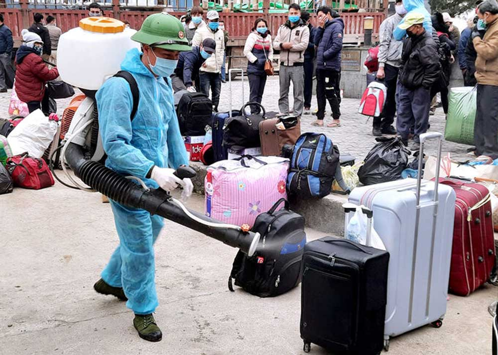 Workers, Vietnam, pre-Tet quarantine