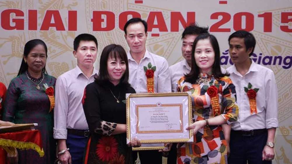 An Ha commune's RCS Chairwoman Nguyen Thi Kim Xuan fuels humanitarian work