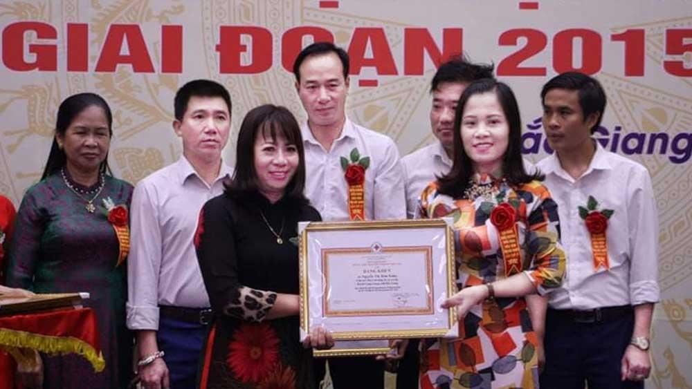An Ha commune's RCS Chairwoman, Nguyen Thi Kim Xuan , humanitarian work