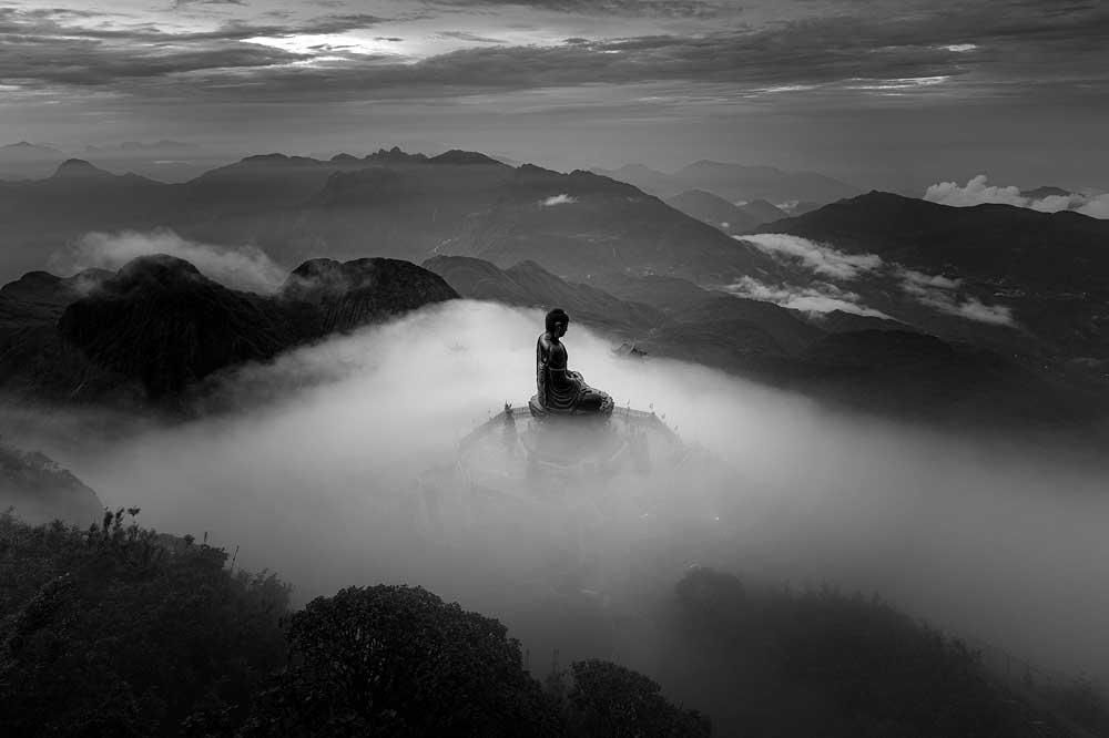 Two Vietnamese photographers, win big, int'l Monochrome Awards